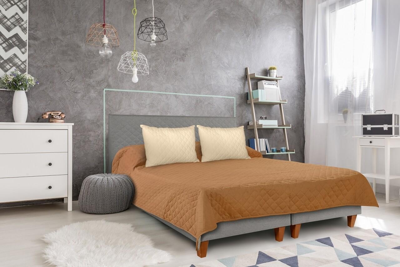 Cuvertura matlasata cu 2 fete Alcam, 210 x 220 cm, Butterum/Vanila
